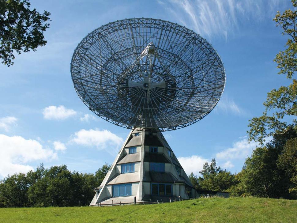 Astropeiler Stockert – Historische Radiosternwarte (Foto: Förderverein Astropeiler Stockert e.V.)